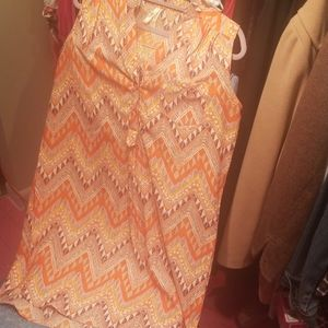 Summer dress size large by (Truth)